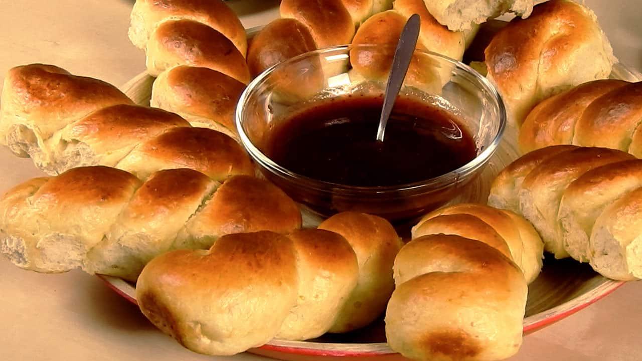 mini-greek-tsoureki-braided-buns