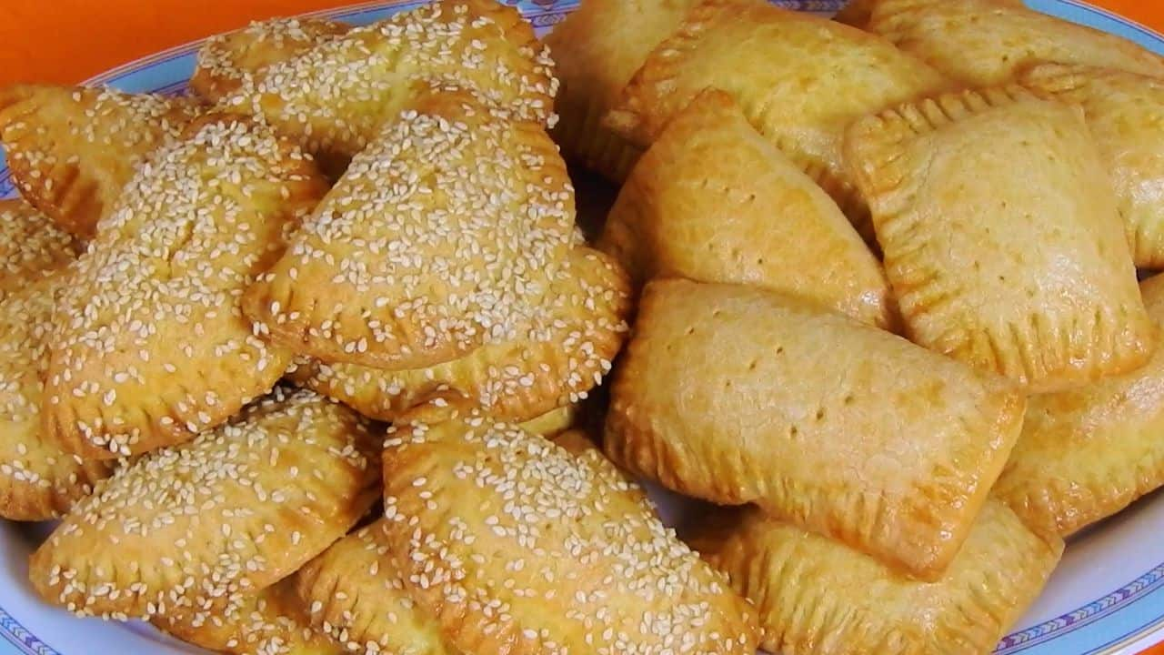 Mini-Cheese-Rustic-Pies