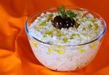 tzatziki-cool-dip-with-greek-yogurt-and-cucumber
