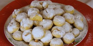 Christmas-Snowball-Cookies-with-Clarified-Butter-and-Orange-flavor-Kourabiedes
