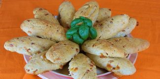 Delicious-bread-rolls-with-kasseri-cheese-and wiener-sausages