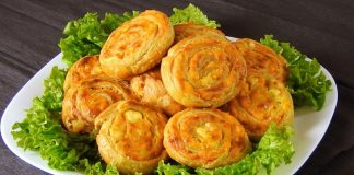Puff-Pastry-Pinwheels-with-Sweet-Potato-and-chesse-filling