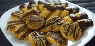 Crunchy-Orange-Cookies-with-Sesame-Seeds-and-Dark-Chocolate
