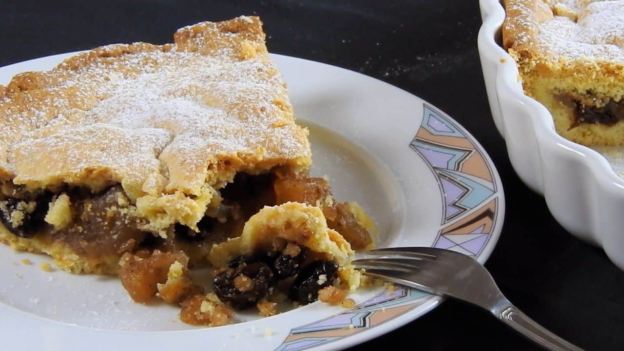 Juicy-Apple-Pie-with-Orange-Flavored-Buttery-Crust