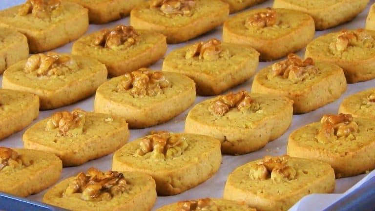 Crunchy Walnut Cinnamon Cookies